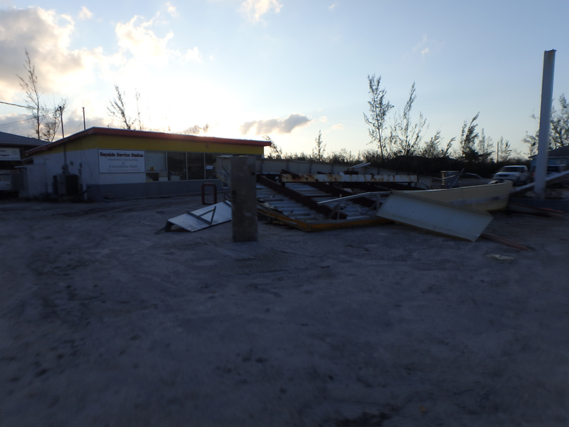 Hurricane Matthew - Joaquin 2015 gas station