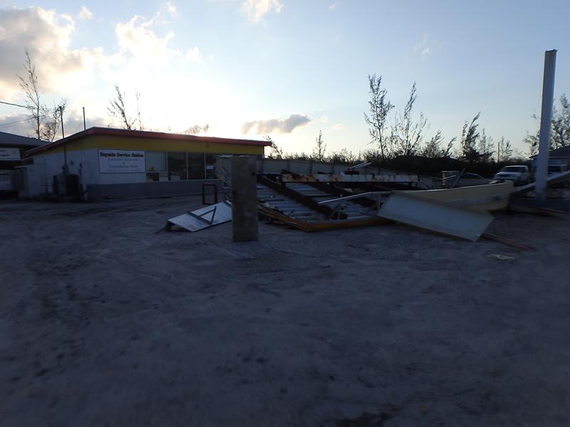 Hurricane Matthew - Joaquin 2015 gas station